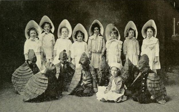 A 1914 Thanksgiving Pageant.