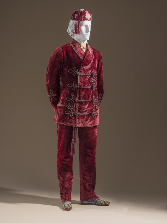 red velvet smoking cap and smoking suit 1868